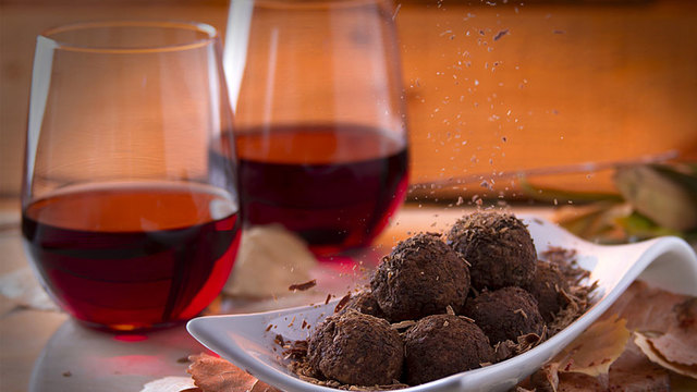 Pair Wine And Chocolate